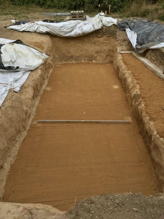 27 Planierter Boden mit Sand