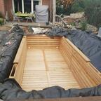 Das Holzbecken ist fast fertig